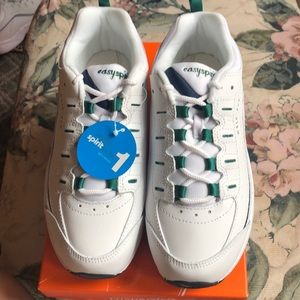 Brand New Easy Spirit Tennis Shoes